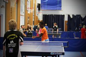 Sammanlagt 40 tävlande deltog i den första Dundersmashen sedan 2009.