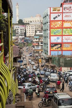 Det finns ett fåtal mindre konservativa stadsdelar i Kampala där homosexuella kan känna sig relativt säkra.