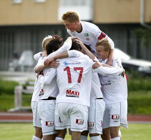 Andra platsen i division 2 Norrland kan eventuellt ge HuFF en division 1-plats.