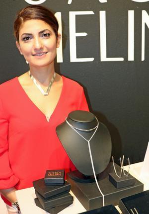 Saga Gervargez är silversmed från Örebro. Hon ställer ut tillsammans med Formex plattform Young designers.