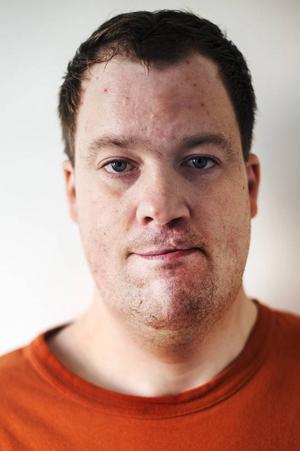 Erik Persson, började på Barda 2008.Det roligaste var att spela Enöga i Dunderklumpen. Det var jag som döpte teatergruppen till Barda.