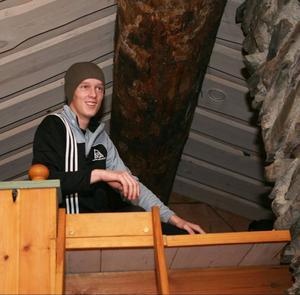 Lite svindel fick Krister Rehnsbo, Ytterån, när han kröp upp till sin sovplats.
