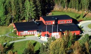 Bräcke kommun kan tvingas köpa Pilgrimstads Folkets hus sedan kommunen flyttat ut Pilgrimstads skola ur byggnaden.  Foto: Ingvar Ericsson