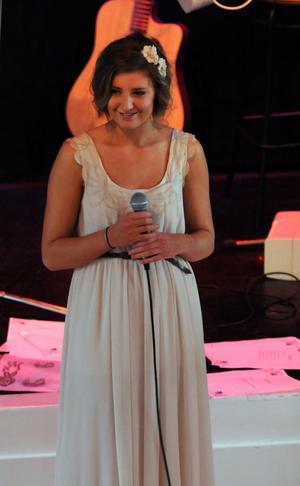 En av eleverna som höll tal under kvällen var Byns Stina Larsson.