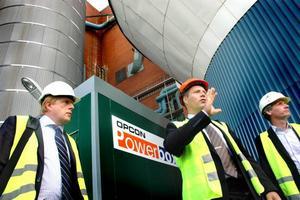 POWERBOX. Stora Enso har investerat i en Opcon Powerbox, som omvandlar blekeriets avloppsvatten till el. Per Hedebäck, Henrik Öhman och Peter Lundström, från Opcon, berättar hur anläggningen fungerar.