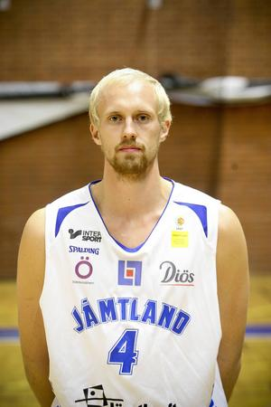 Mikael Jönsson, 21 år, forward. 193 cm.
