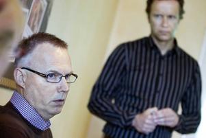 Vill se förenkling. Reglerna borde vara enklare när småföretag ska säljas, menar företagaren Torsten Gustafsson och Företagarnas regionchef Thomas Wanke.