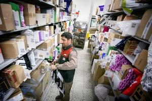 Snart är det julrusch på alla paketutlämningsställen och Iggesund behöver avlastning innan dess, förklarar Annette Santner, retailområdeschef på Postnord.