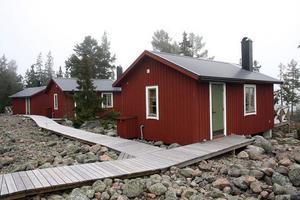 De första stugorna byggdes på Storjungfrun.Foto: Daniel Nilsson