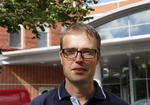 Patrik Stenvard (M) vill att man ska vara försiktig med skattebetalarnas pengar.