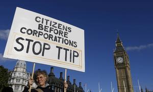 Det föreslagna frihandelsavtalet med USA har orsakat protester på många håll i Europa.
