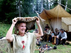Hanna Timmerholm tror att många lockas av att få uppleva miljön vid Mosskrikens indian- och vildmarkscamp och av att träffa andra med samma intresse.
