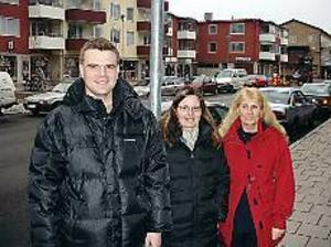 Daniel Rosén, Lena Larsson och Ethel Lindkvist från Pingstkyrkans ungdomsarbete i Sandviken vill erbjuda ett nytt alternativ på fredagskvällarna. Foto: JOHAN PIHLBLAD