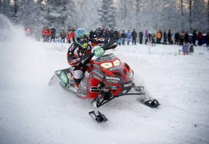 Sebastian Drotz, Härjedalens AK, startade Arctic Cat Cup med dubbla segrar i kvalet.