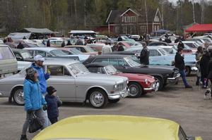 Som vanligt var det mängder med motorfordon och åskådare. Det var runt 600 ekipage.
