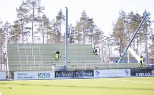 Den södra läktaren byggdes inför säsongen 2016, ÖFK:s första säsong i allsvenskan. Fotograf: Patrik Sjödin