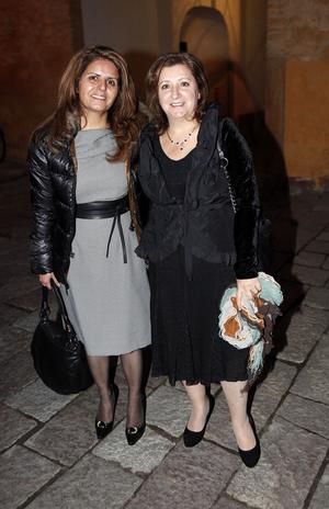 Kaijeh Hassanpour och Mariam Afrasiabpour från Arosdöttrarna kom tillsammans till Slottet.