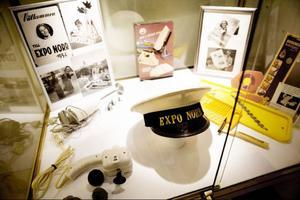 I en särskild monter bjöds det på tillbakablickar i Expo Norr:s sextioåriga historia.– Förr var man uppklädd i hatt och trenchcoat när man gick hit, säger mässgeneralen Agne Ottosson.