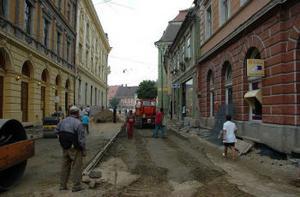 Uppgrävd gata. Sibiu letar sina rötter.