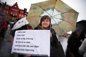 Ulla Hansson, Östersund bar på en skylt med orden: