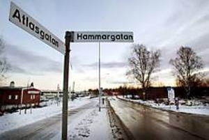 Området kring Atlasgatan och gasklockorna på Brynäs är ett tänkbart område för en multieventarena. Foto: Lars Wigert