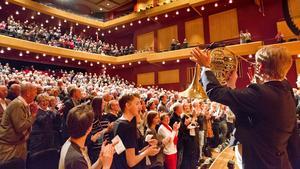 Räddades. Sinfoniettan fick stående ovationer vid första konserten man gjorde efter hotet om nedläggning i slutet av oktober.