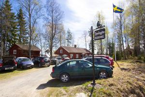 Vårmarknad vid Bysala hembygdsgård.