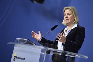 Finansminister Magdalena Andersson (S) kan peka på en rad starka siffror, men budskapet om att det går bra för Sverige har svårt att nå ut.