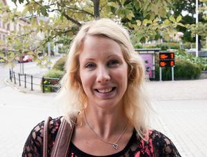 Maria Näsström, Sollefteå:– En present till min pojkväns brorsdotter. Målarblock, pennor, Djungelboksberättelser och en leksakshäst.