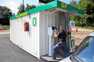 Automatstation. Mullhyttans bensinpump har utsatts för skadegörelse.