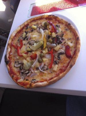 Bland annat finns det 40 olika pizzor att välja mellan på lunchmenyn.