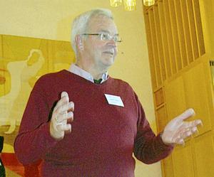 Vid SPF Faluns majmöte berättade Herbert Carlén om föreningens verksamhet för de
