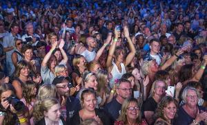 Laxfestivalen 2014, från publikhavet på Martin Stenmarck