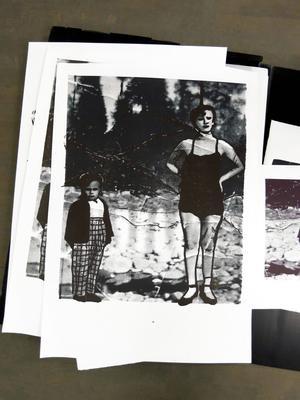 ...och Marlen Ljusbergs bilder leker med formen av gamla semesterfoton