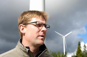 Inte en enda invändning mot projektet har Niklas Lundaahl hört annat än att betongbilarna körde för fort nere i Linghed. Foto:Kjell Jansson