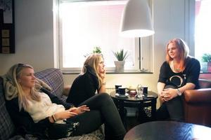 Vuxenlivet börjar. Josefin Jonsson, 17 år, Sandra Jonsson, 20 år och Stina Svelund, 20 år, talar med Arbetarbladet om att flytta hemifrån.