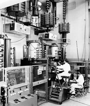 Från experimenten i Trollhättan där Vattenfall och Asea  överförde likström mellan Trollhättan och Mellerud från 1946.