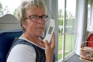 Laila Westlings viktigaste redskap i köket, en digital termometer som mäter exakt.