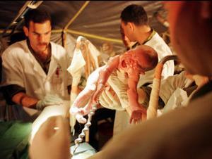 Att föda barn var förr förknippat med livsfara. Ignaz Semmelweis, en sällan hågkommen hjälte, har räddat livet på många kvinnor.