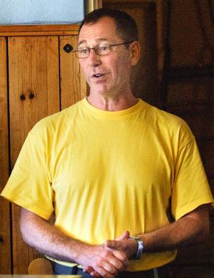 – Vi har nått en smärtgräns. Vi måste få ordnade förhållande, säger myggforskaren Jan Lundström, som inte vet om det blir någon myggbekämpning vid Dalälven i sommar.
