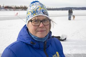 Ki Eriksson, informatör vid Ludvika kommun, gladde sig åt att så många tagit sig ned till Väsmanstranden och – för den delen - ut på isen. Vinterfesten lär återkomma 2018.