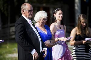 Therese morföräldrar Classe, vänster, Maggie, höger, lånade mer än gärna ut sin sommarstuga till bröllopet.