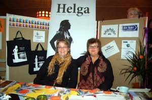 """Vivi-Ann Dahl och Gunnel Kihlberg från föreningen Helga – kvinnligt nätverk i Härjedalen. """"Man kan göra allt i Hede, allt man behöver för att till exempel bygga ett hus finns, säger Vivi-Ann Dahl."""