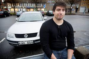 Danny Palmroth råkade ut för en bilbedragare. Bilen son han köpte visade vara anmäld som stulen och togs därför i beslag av polisen i Härnösand.