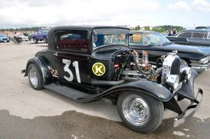 Börje Edström hade sin 3-fönsters Plymouth kupé på utställningsområdet.