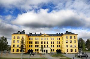 Flera av Östersunds friskolor ligger på I5:s gamla område. Elevkullarna fortsätter sjunka och friskolorna drabbas hårdast av detta.