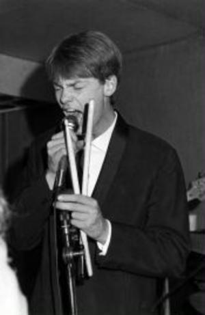Anders Brodin, även kallad Brodde, känd för att ha en enorm energi och utstrålning på scenen.