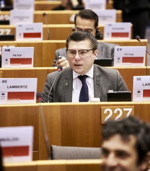 Joakim Larsson, ursprungligen från Tallåsen, är Miljöpartiets ordförande i valberedningen.