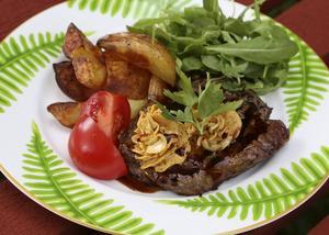 En förenklad variant av Café de Paris, både som köttkrydda före grillen och som smör till serveringen.