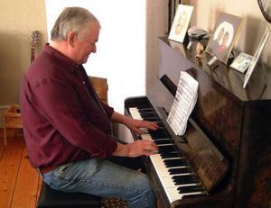 Sven-Erik är en utmärkt pianist och rev av en klingande Für Elise när LT var på plats.